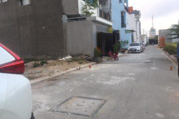 Đất nền thổ cư 57m2, giá 2.450 tỉ, đường trước nhà 8m, cách đường Nguyễn Duy Trinh 150m, phường Long Trường, Quận 9. LH: 0906 271879.